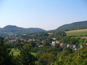 pohľad na dedinu Podhoroď z hradu