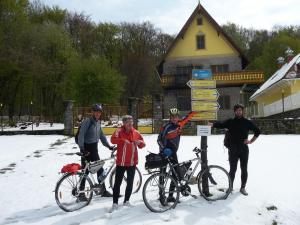 Medzinárodné stretnutie turistov Veľký Milič 24.4.2017 (foto Gazda)