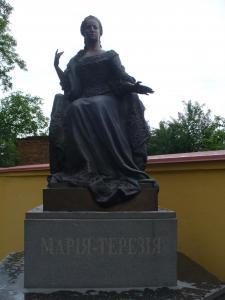 P1160593- pamätník cisarovnej Márií Terezií