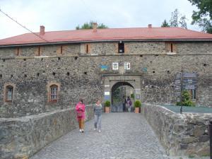 P1160596  vstup do hradu